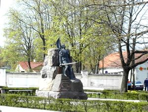 Vabadussõjas langenud saarlaste monument